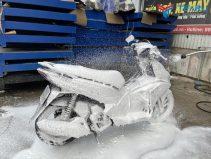 Hướng dẫn sử dụng bình phun bọt tuyết rửa xe inox