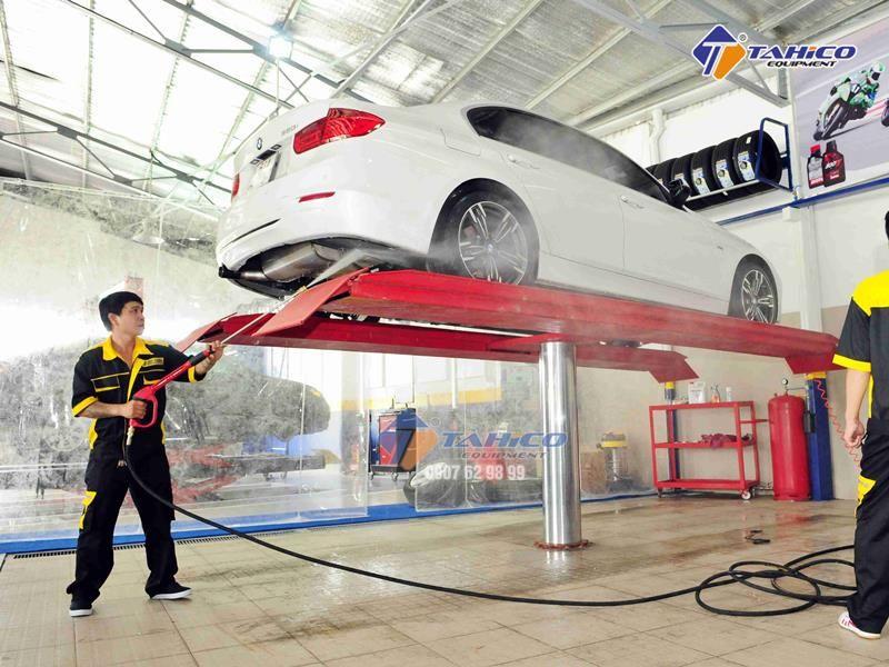 Cầu nâng 1 trụ rửa xe ô tô Ấn Độ lắp bàn nâng nổi