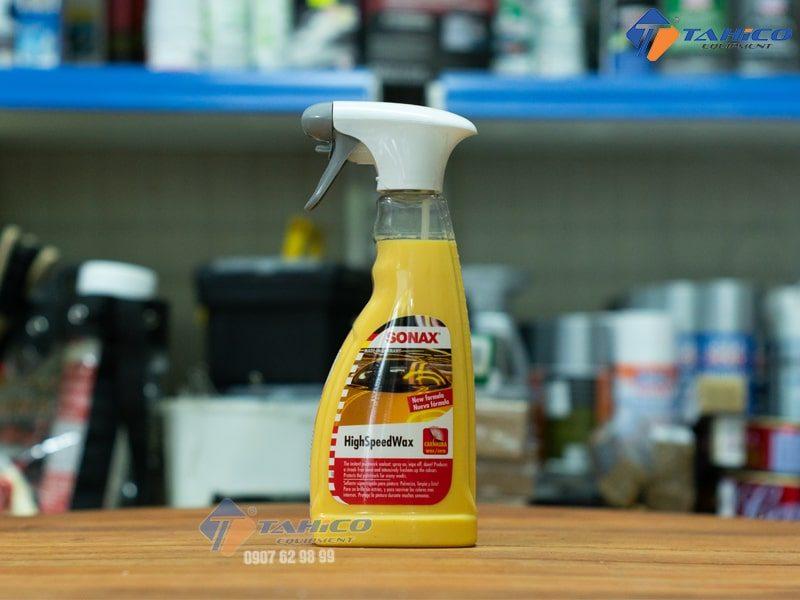 Dung dịch bảo vệ nhanh bề mặt sơn Sonax HighSpeed Wax 288200 có xuất sứ từ Đức, sử dụng được cho mọi màu sơn của xe