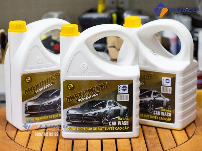 Dung dịch rửa xe bọt tuyết Maxrider Powerfull 5 lít giúp dễ dàng vệ sinh lau chùi, và tẩy rửa các vết bẩn cứng đầu.