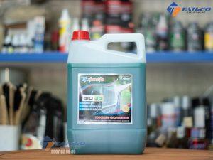 Dung dịch rửa xe không chạm Ekokemika Bio 35 có xuất sứ từ Ý, cho hiệu quả tẩy rửa vỏ và khoang máy cực sạch.