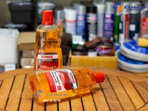 Dung dịch rửa xe Sonax Gloss Shampoo lý tưởng để làm sạch các vết bẩn như: côn trùng, phân chim,…