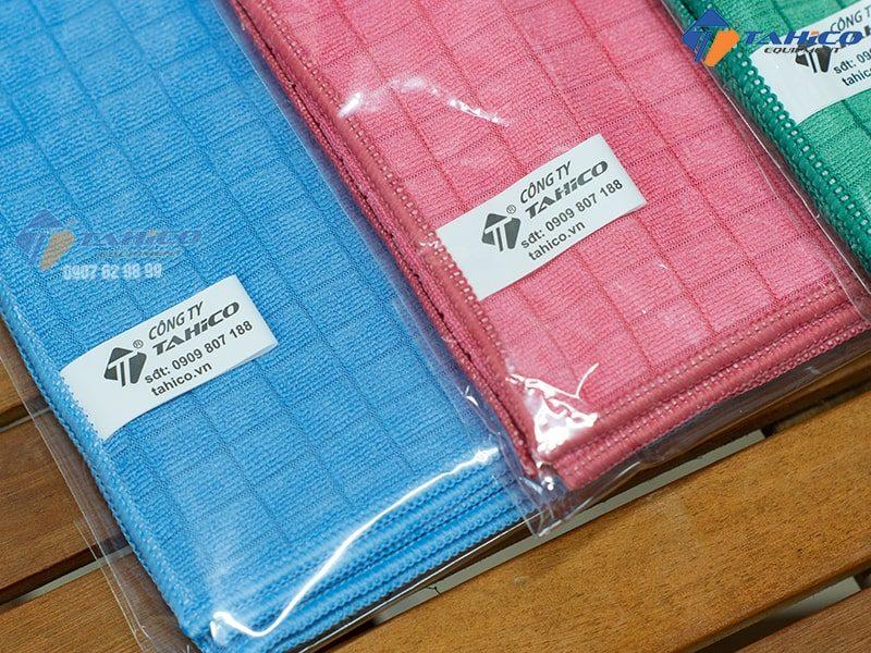Khăn lau xe chuyên dụng microfiber 30x30 độ bền cao gấp 10 lần khăn cotton thông thường.