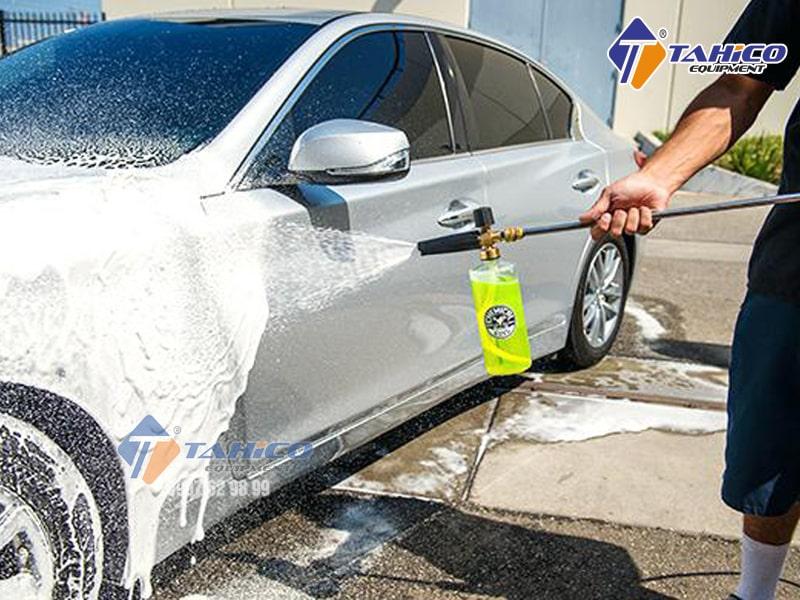 Một số lý do nên sử dụng dung dịch rửa xe chuyên dụng