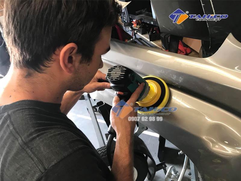 máy đánh bóng đồng tâm Clover rotary polisher 5in M14 là công suất máy mạnh, cung cấp khả năng cắt và xóa xước tốt