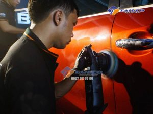 Máy đánh bóng lệch tâm DA Clover 21mm được cân bằng tốt và có thể được vận hành chỉ bằng một tay