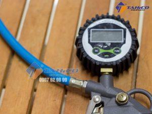 Súng bơm lốp kiểu đầu kẹp cho xe máy hường dùng cho xe máy và có thể bơm ô tô