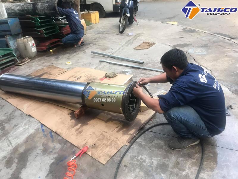 Phốt cầu nâng rửa xe ô tô Việt Nam.