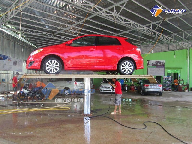 Cầu nâng 1 trụ rửa xe ô tô Việt Nam bàn nâng lắp nổi
