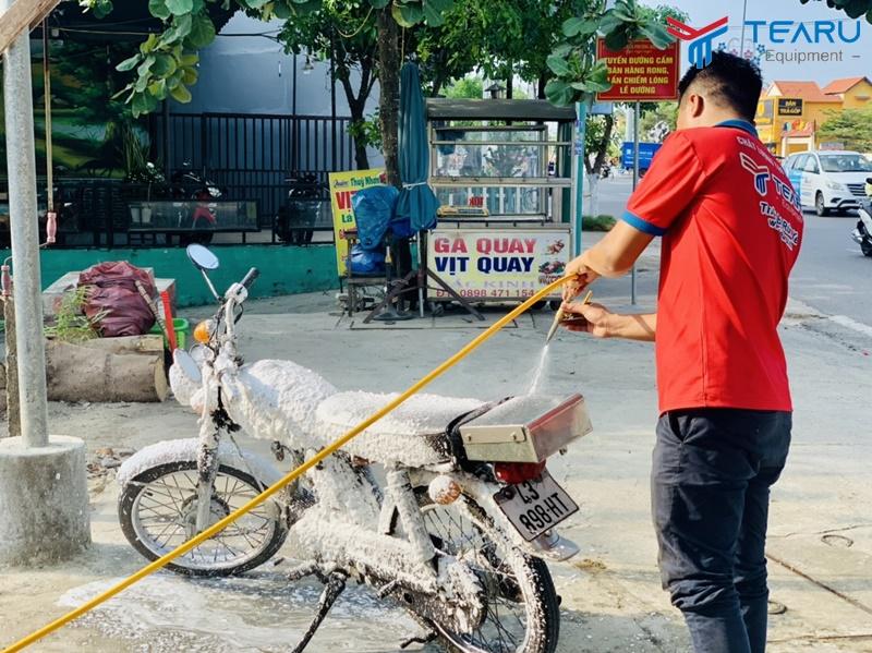 Trọn bộ dụng cụ rửa xe máy gồm những gì?