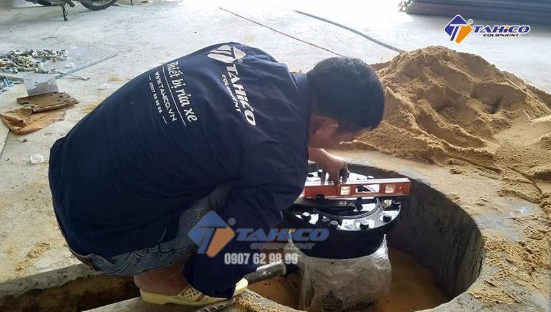 Lắp đặt cầu nâng 1 trụ chuyên rửa xe ô tô