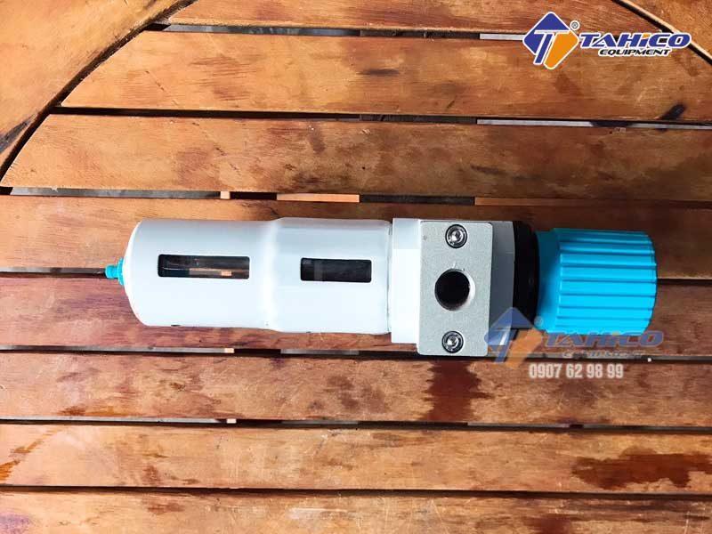Lọc tách nước hệ thống khí nén cho cầu nâng 1 trụ