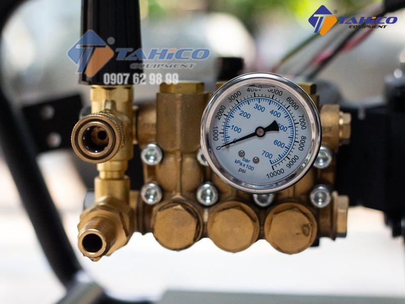 Cụm hệ thống 6 van 1 chiều bị hở khiến áp lực nước sẽ không lên được hoặc áp lên yếu.