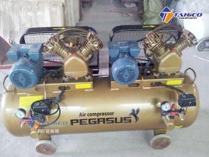 Máy nén khí dây đai Pegasus 2 cấp 2 đầu nén 2 moto TM-V-0.25/12.5 x2-230L sở hữu công suất mạnh và dung tích bình chứa lớn nên được sử dụng rộng rãi trong các ngành nghề như: Công nghiệp, Garage, trạm rửa xe cao cấp…