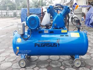 Máy nén khí dây đai Pegasus 20HP 2 cấp dùng điện 3 pha TM-W-2.0/12.5-500L sở hữu dung tích lên tới 500 lít nên người dùng có thể kết nối cùng lúc các thiết bị