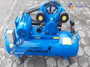 Máy nén khí dây đai Pegasus 4HP dùng điện 3 pha TM-W-0.36/12.5-230L được trang bị rơ le tự ngắt, giúp đảm bảo an toàn cho người sử dụng khi có hiện tượng điện áp không định