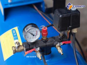 Máy nén khí dây đai Pegasus 4HP dùng điện 1 pha TM-W-0.36/8-100L được trang bị rơ le tự ngắt, giúp đảm bảo an toàn cho người sử dụng khi có hiện tượng điện áp không định