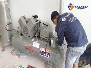 Máy nén khí Piston 5HP 3.7P - 9.5V5A được thiết kế để đảm bảo an toàn trong quá trình sử dụng, hạn chế được những vụ nổ nguy hiểm từ các thiết bị