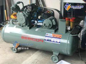 Máy nén khí Piston không dầu 3 HP 2.2OP-9.5G5A sử dụng chất liệu hợp kim nhôm giúp cho giải nhiệt của máy nén khí tốt hơn.