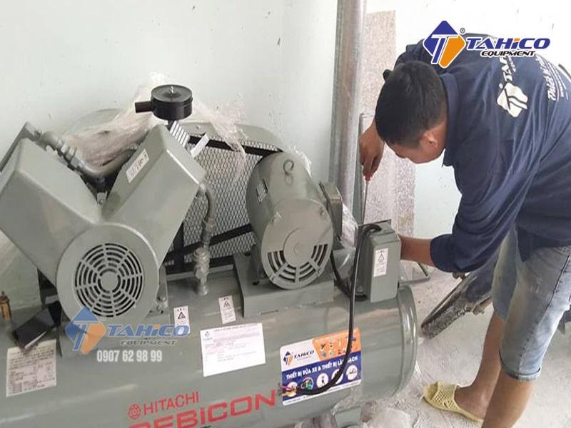 Máy nén khí Piston không dầu 5HP 3.7OP-9.5G5A được sử dụng nhiều trong các xưởng sản xuất