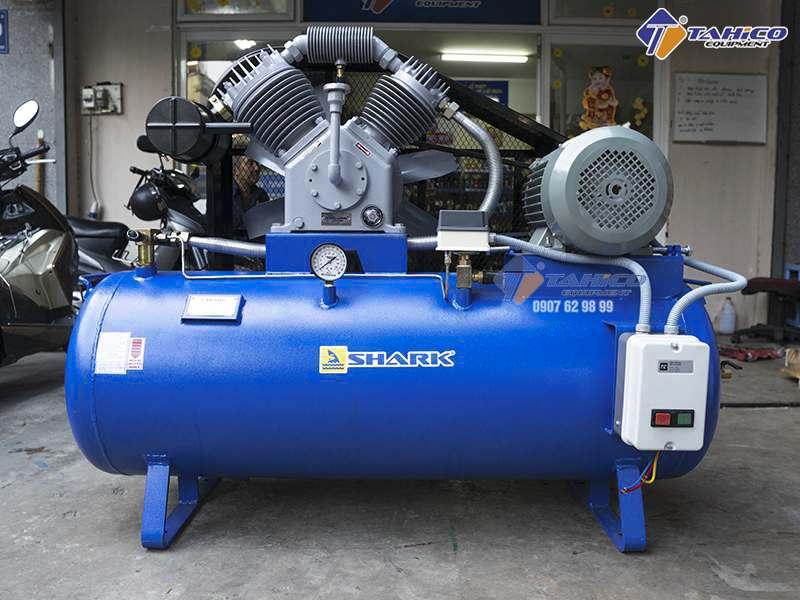 Máy nén khí Shark 2 cấp 7,5 HP cho tiệm rửa xe ô tô lớn