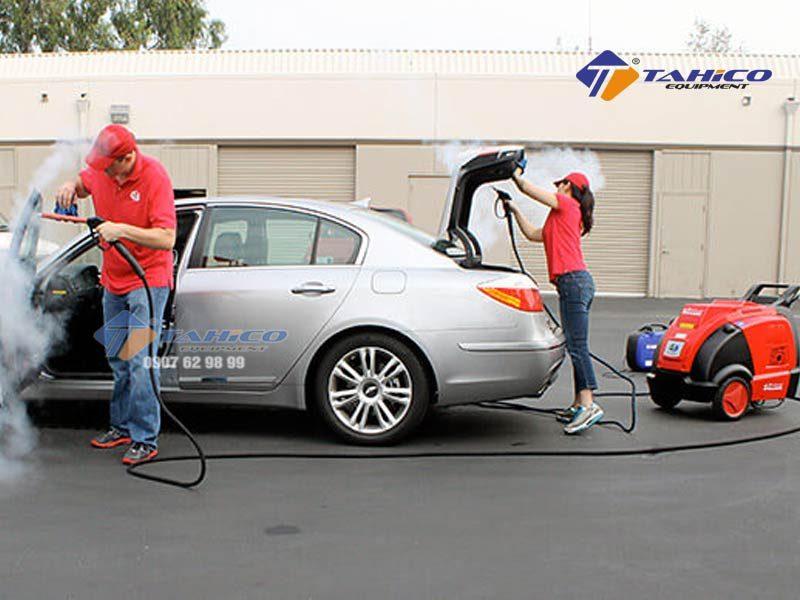 Máy rửa xe cao áp nóng/lạnh IPC – DS2210T sử dụng lưu lượng chảy mạnh với tốc độ 300-600 lít/giờ kết hợp với áp suất nước là max là 30-160bar, nhiệt độ nước max 120oC.