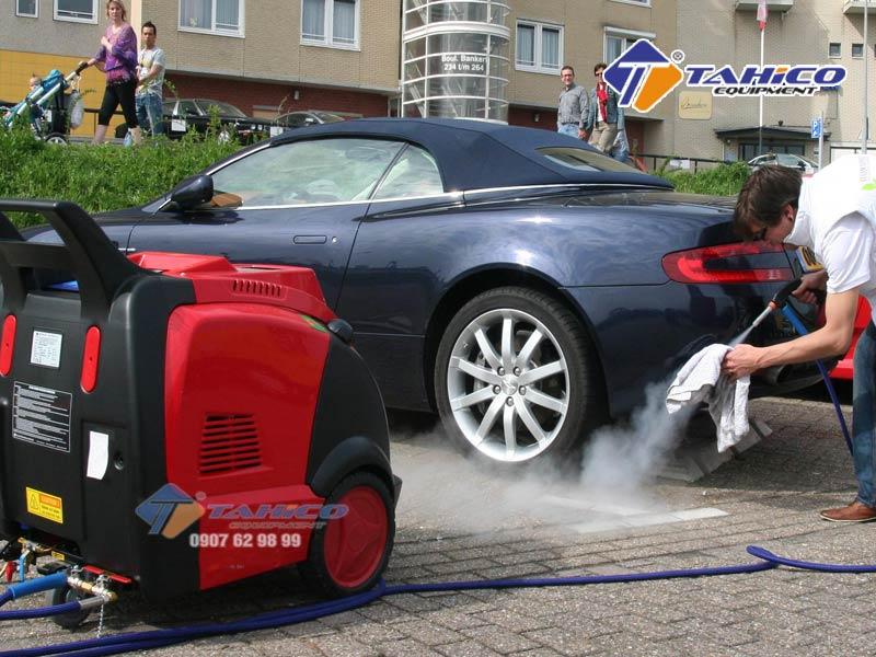 Vỏ ngoài của máy rửa xe cao áp nóng/lạnh IPC – DS2210T được làm bằng chất liệu cao cấp