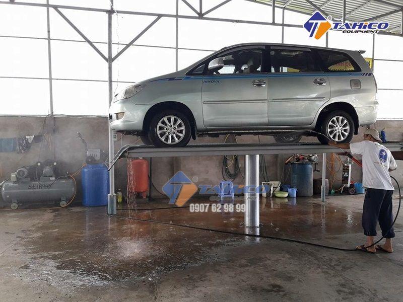 Vận hành cầu nâng 1 trụ rửa xe ô tô Việt Nam lắp nổi