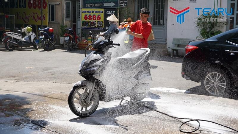Thợ rửa xe máy cần có tâm