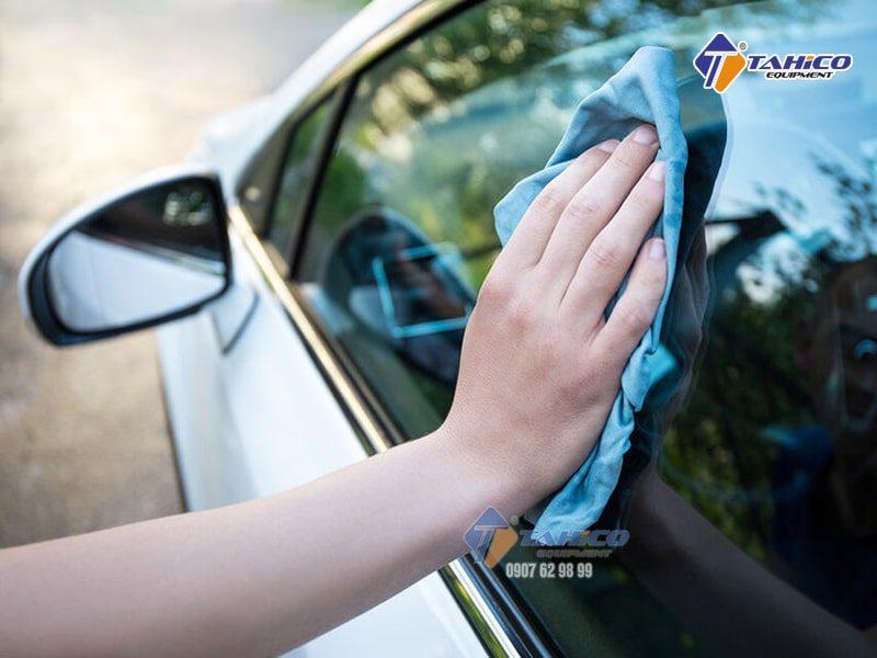 Giúp tạo độ bóng mới kính ô tô mỗi lần sử dụng