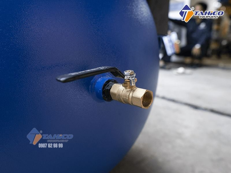 Máy được thiết kế để đảm bảo an toàn trong quá trình sử dụng