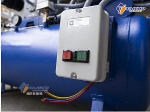 Với áp lực làm việc lên đến 14 Kg/cm2, nên dòng máy này có thể đảm nhận công việc sửa chữa các loại xe