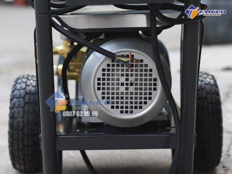 Động cơ bền bỉ, mo tơ công suất 2200w
