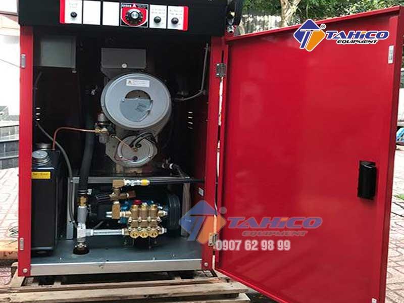 Vỏ máy được làm bằng thép không gỉ chất lượng cao