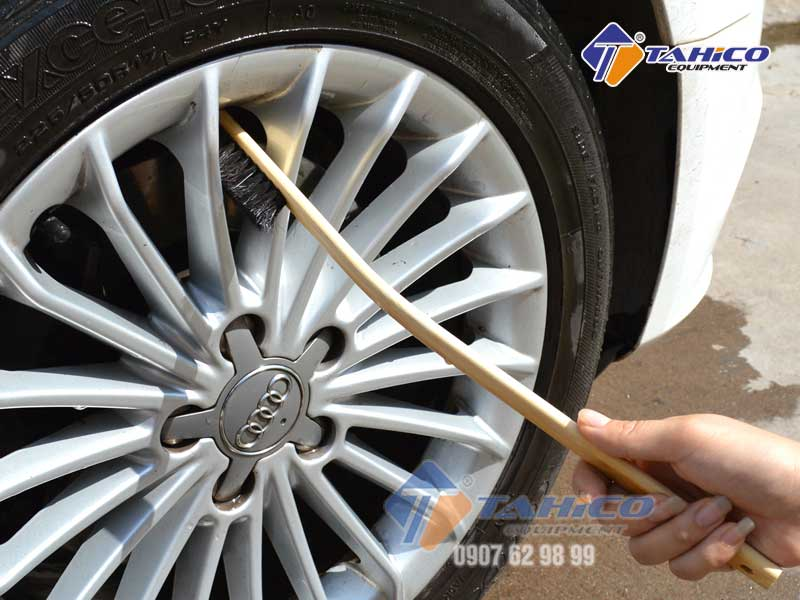 Có thể dùng để vệ sinh vành mâm bánh xe