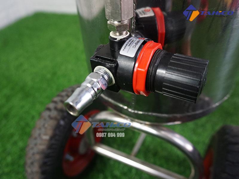 binh-rua-xe-phun-bot-tuyet-kokoro-22-lit-3