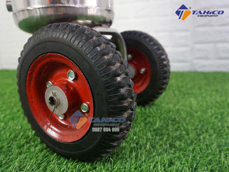 binh-rua-xe-phun-bot-tuyet-kokoro-24-lit-2