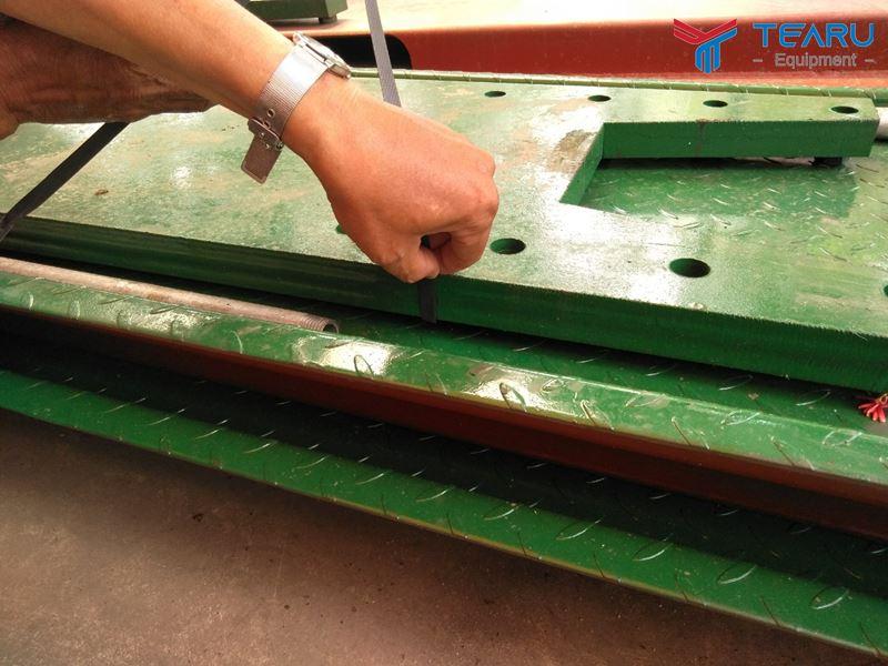 Mặt bàn nâng TEARU cung cấp luôn đảm bảo chất lượng