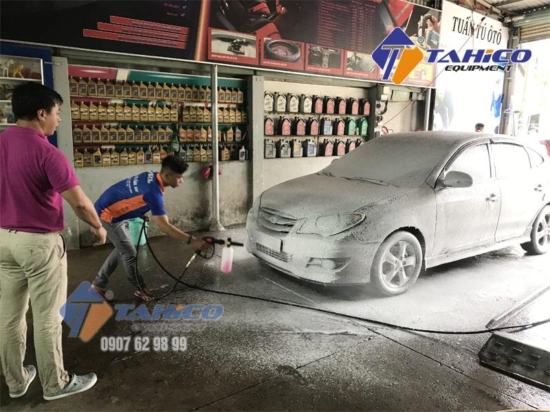 Không ảnh hưởng đến da tay và bề mặt sơn xe.