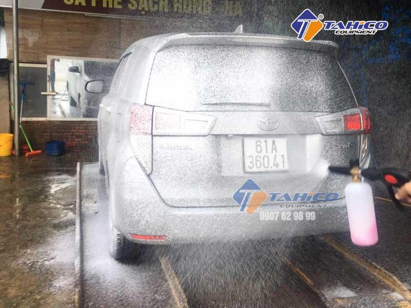 Không cần phải dùng tay mà vẫn sạch xe và bóng sơn xe