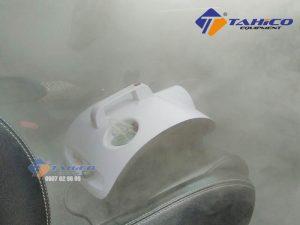 Máy khử mùi nội thất ô tô sẽ phát tán và lan tỏa mùi thơm từ tinh dầu