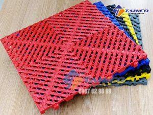 Tấm lót sàn dạng lưới tản nhiệt khảm kim cương cao 2cm