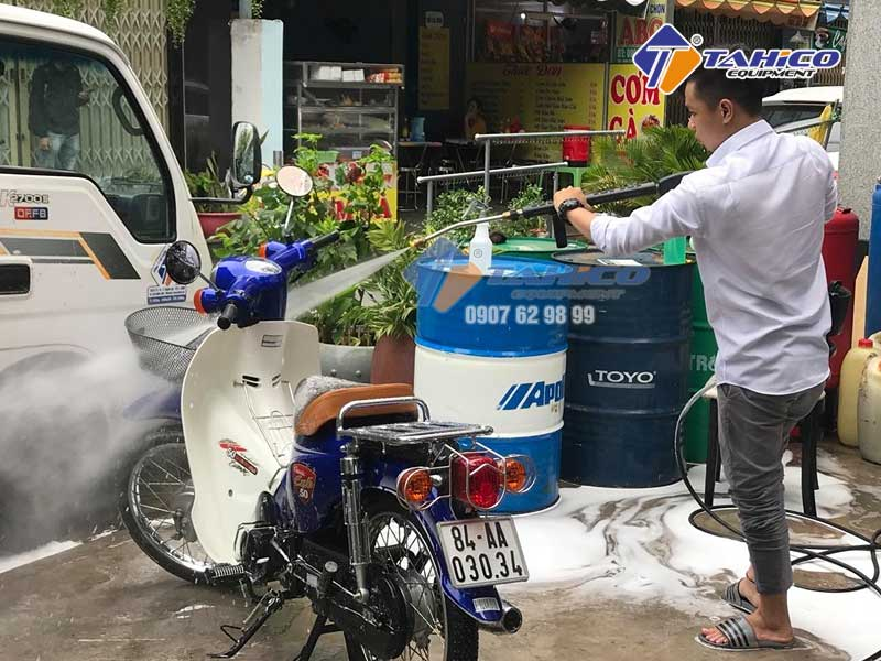 Xịt rửa siêu mạnh cũng máy rửa xe Kokoro