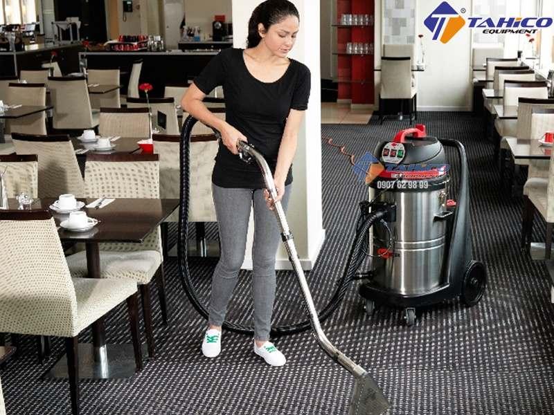 cách vệ sinh thảm trải bằng máy hút bụi-1