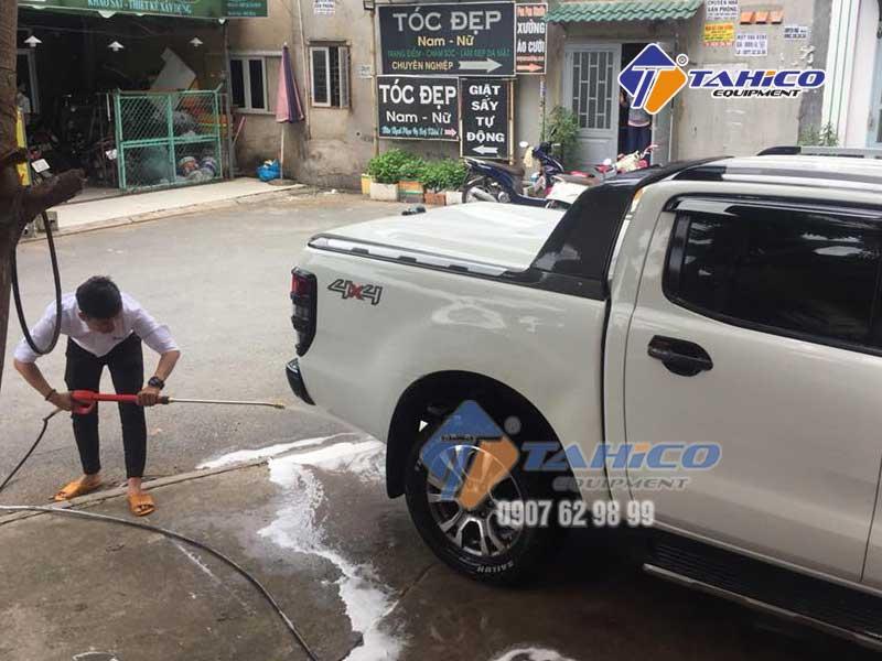 Tiết kiệm thời gian và nhân lực khi rửa xe