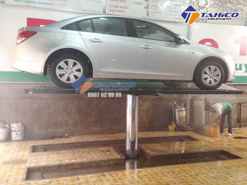Những lưu ý khi sử dụng cầu nâng 1 trụ rửa xe ô tô
