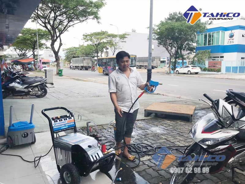 Sử dụng máy rửa xe Kokoro