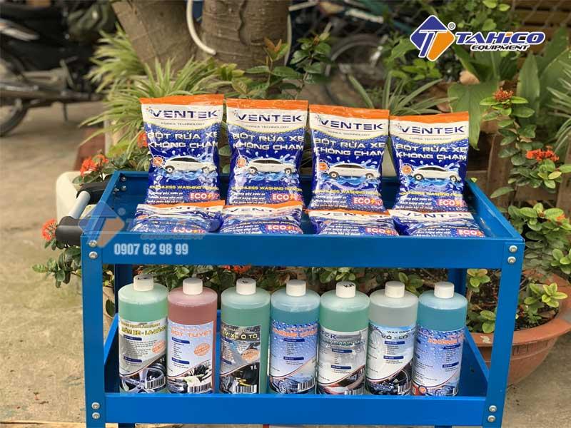 Bột rửa xe ô tô xe máy xe tải không chạm đang được bán tại TAHICO