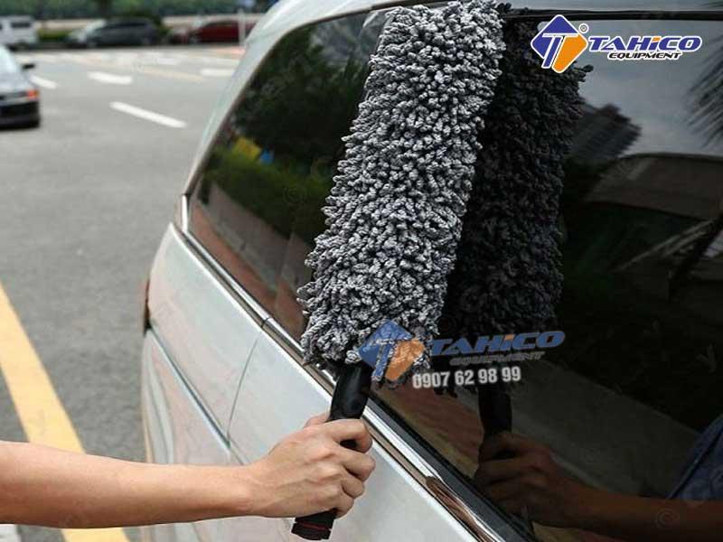 Chổi lau bụi sợi dầu ô tô đa năng cán điều chỉnh