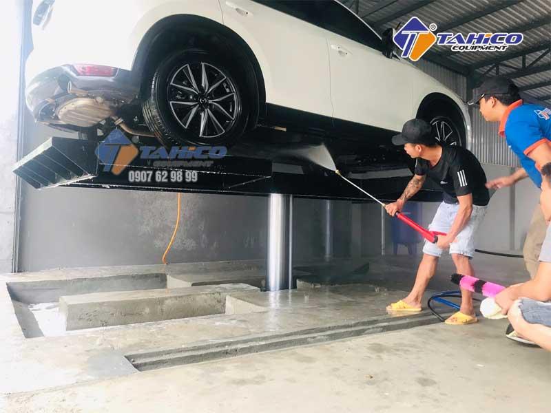 Rửa gầm xe ô tô